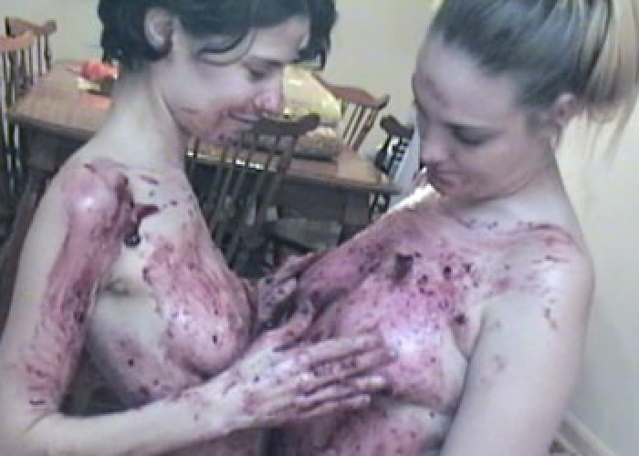 Messy fun with Roxanne & Danni